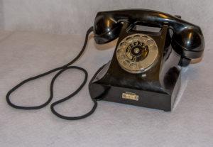 Bakelieten telefoon met kiesschijf